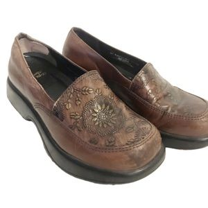 Dansko tooled floral brown leather clogs size 37